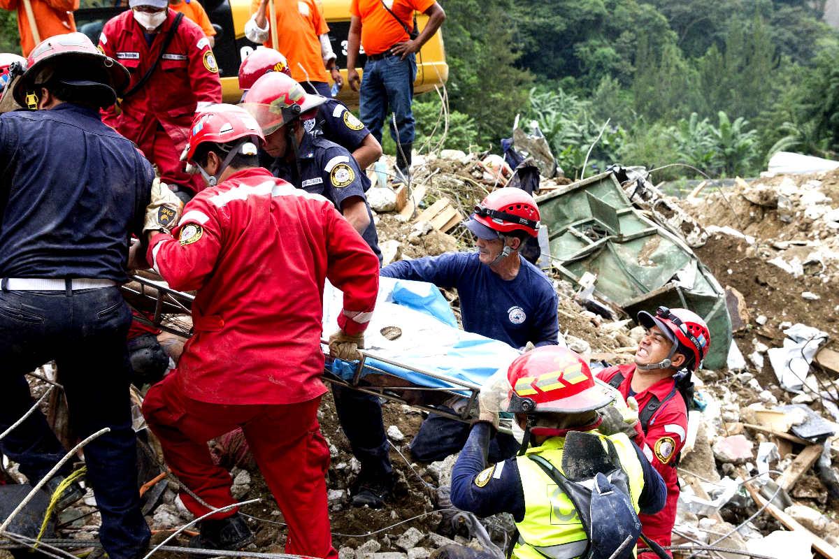 Imagen de las labores de rescate (Foto: Getty)