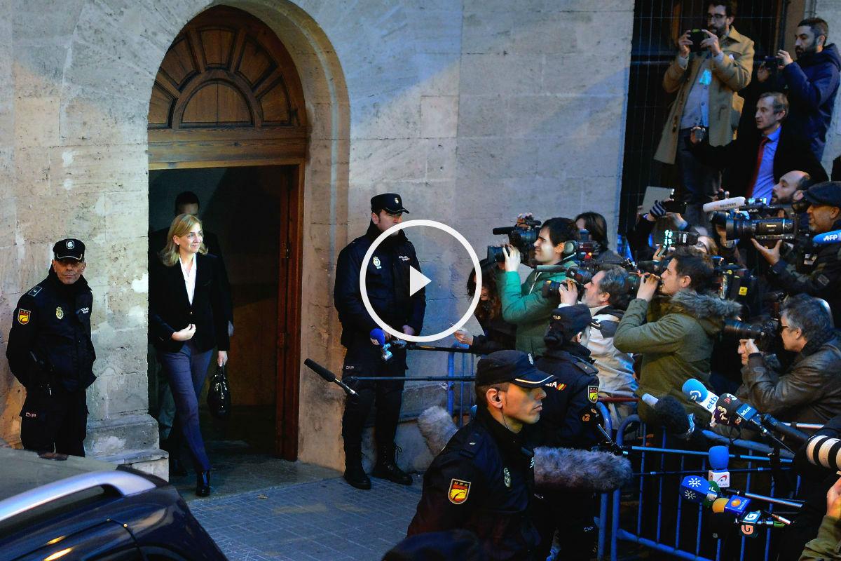 La Infanta Cristina abandona los juzgados de Palma tras su declaración en febrero de 2014. (Foto: Getty)