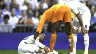 Jesé se duele de dolor en el partido ante el Málaga (Getty)