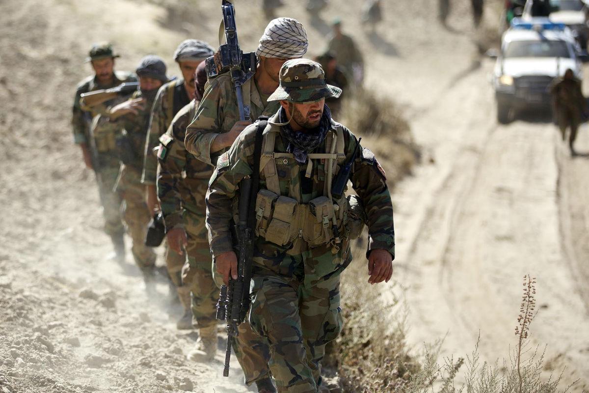 Soldados del Ejército afgano durante una operación. (Foto: Getty)