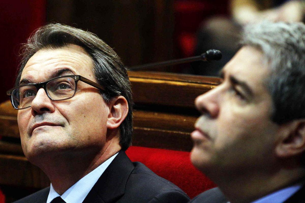 Francesc Homs y Artur Mas. (Foto: Efe)