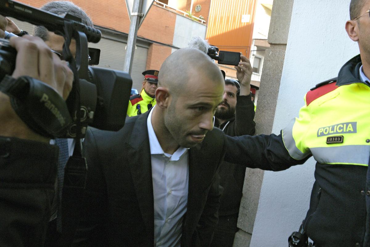Mascherano, a su entrada en los juzgados. (Foto: AFP)