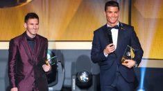 Cristiano Ronaldo y Leo Messi, en la última gala del Balón de Oro. (Getty)