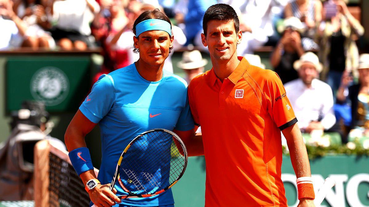 Rafa Nadal y Djokovic posan antes de su último enfrentamiento en Roland Garros. (Getty)