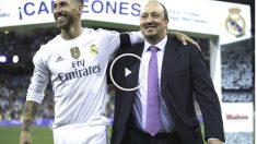 Sergio Ramos, abrazado a Rafa Benítez tras un partido de pretemporada. (Getty)