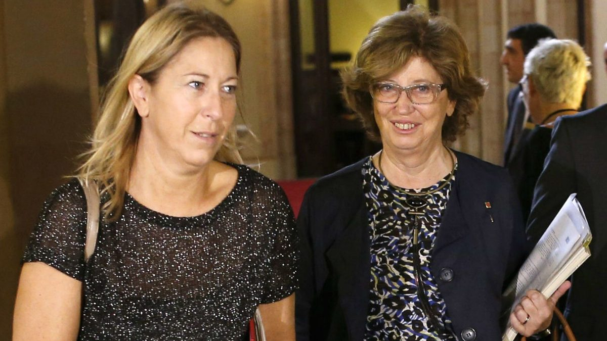 Joana Ortega e Irene Rigau. (Foto: EFE)