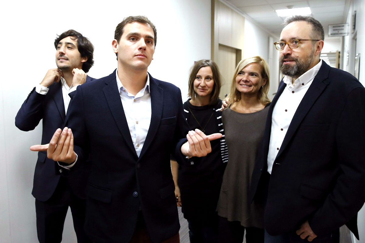 Albert Rivera junto a cabezas de lista por Barcelona (Foto: Efe)