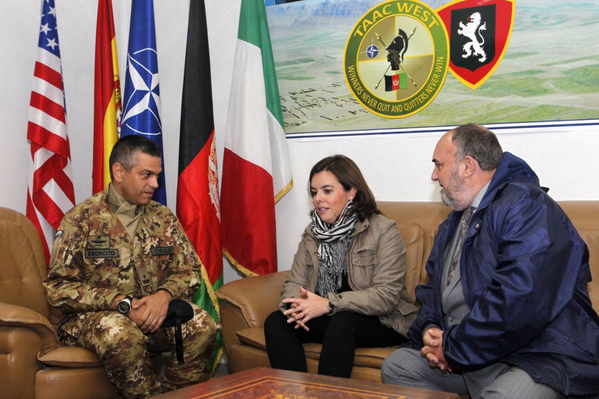 Soraya Sáenz de Santamaría en la base de Herat (Foto: Ministerio de Defensa)