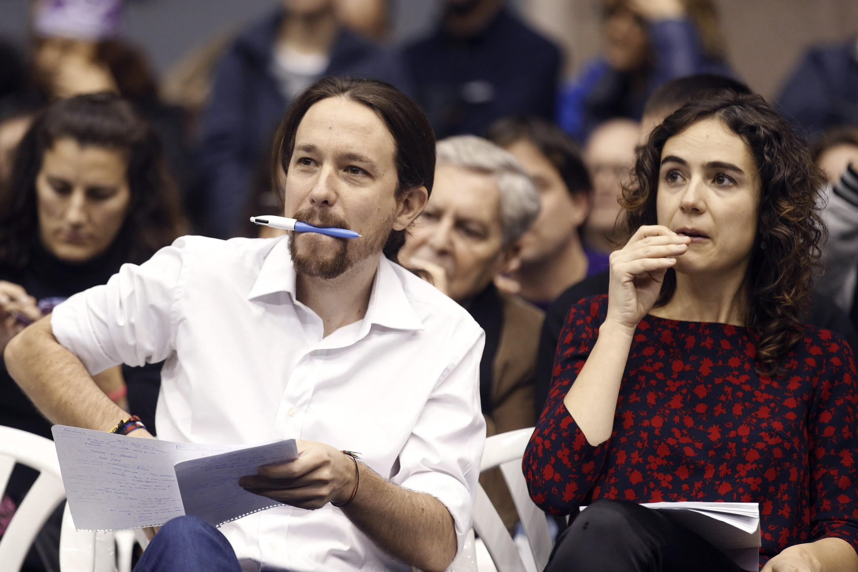 Pablo Iglesias y Gemma Usabart en un acto de Podemos (Foto: Efe)