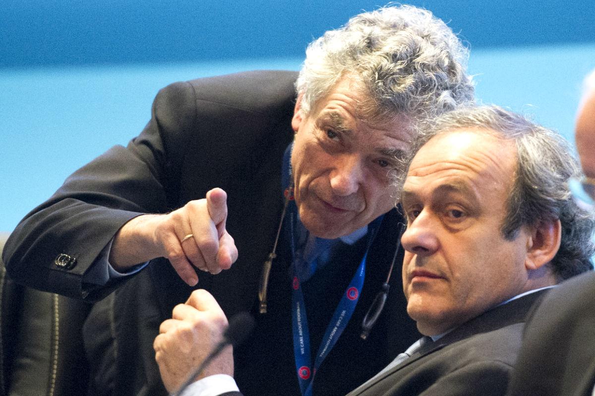 Villar junto a Platini durante un acto (Foto: AFP)