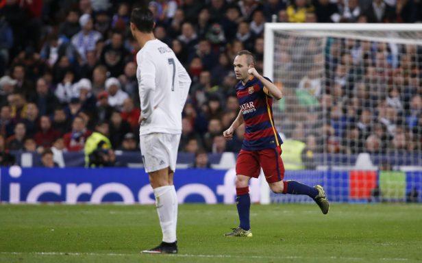 Andrés Iniesta anotó el tercer gol del Barcelona en el Clásico (Reuters)