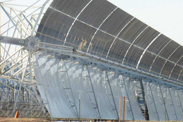 Estructura solar construida por Abengoa Yield en el desierto de Mojave