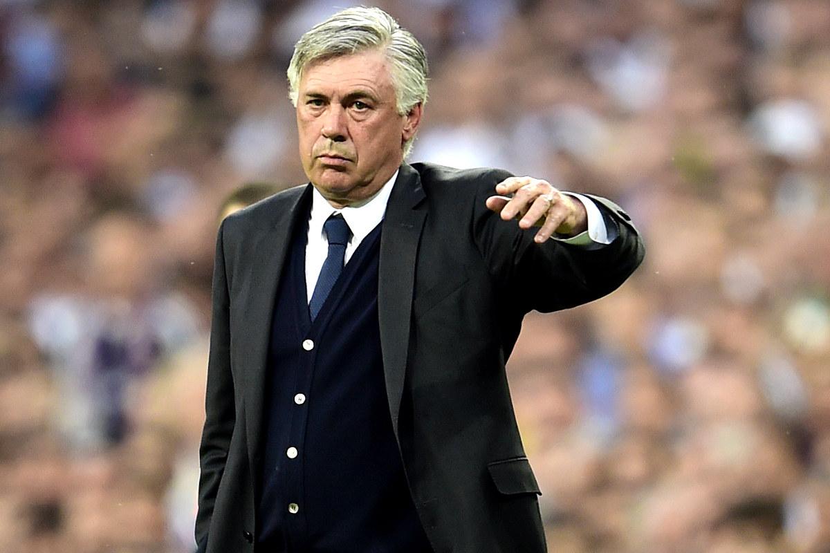 Ancelotti durante un encuentro en su etapa en el Real Madrid (Foto: AFP)