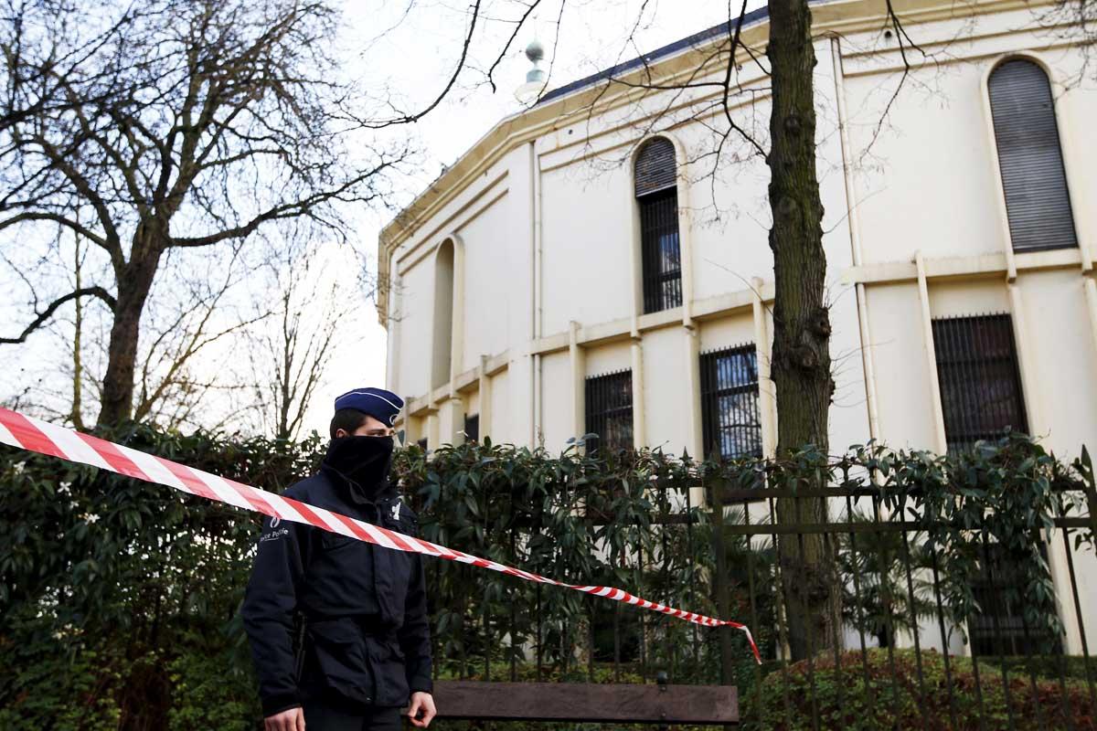 Polvos blancos fueron enviados a la mezquita de Bruselas, que resultaron ser harina (Foto: Reuters)