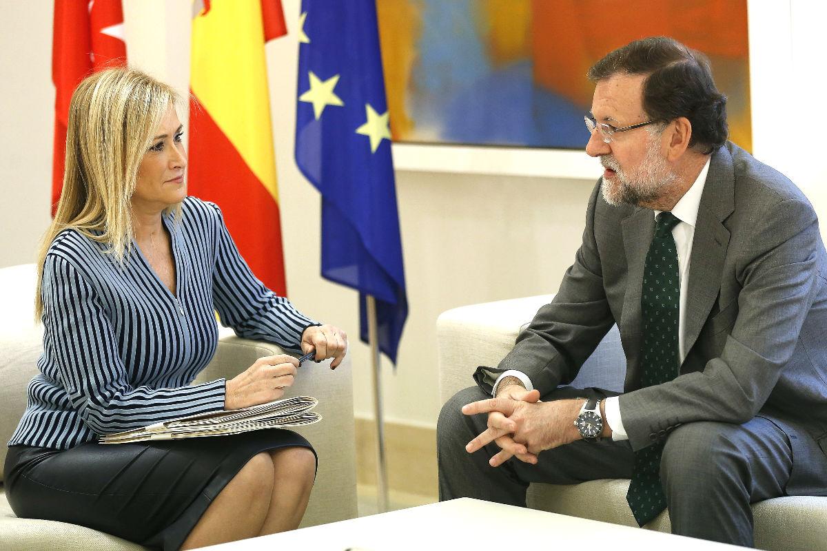 Cristina Cifuentes reunida con Mariano Rajoy en Moncloa. (Foto:EFE)