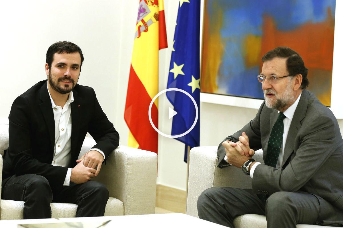 Alberto Garzón en su reunión con Mariano Rajoy en La Moncloa. (Foto: EFE)