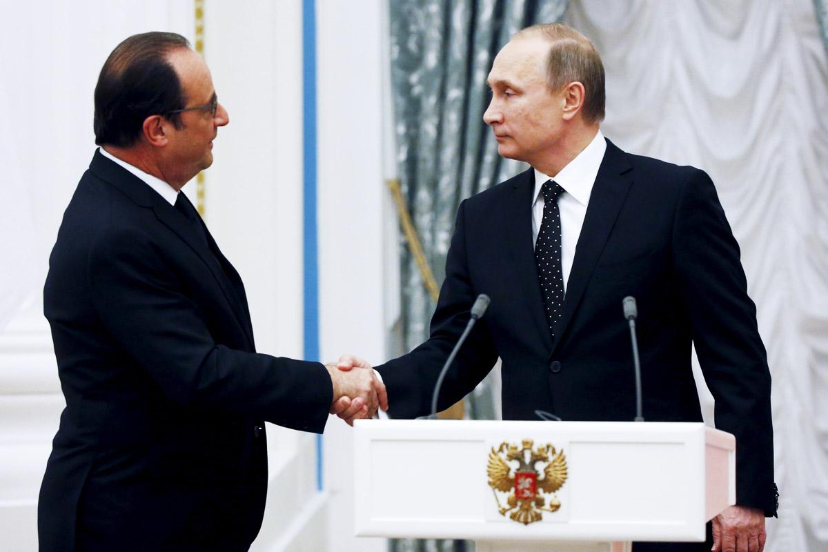 François Hollande y Vladimir Putin, durante su conferencia posterior a su reunión en el Kremlin (Foto: Reuters)