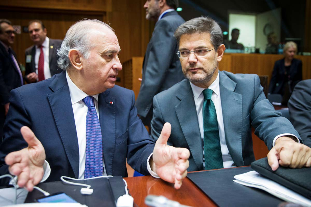 El ministro del Interior, Fernández Díaz junto al de Justicia, Catalá, en el Consejo de la UE  (Foto: UE)