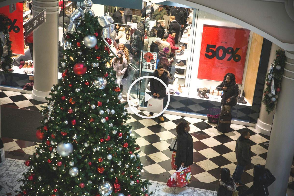 Los españoles gastaremos un 10% más que el año pasado estas Navidades, según un estudio realizado por Deloitte (Foto: GETTY).