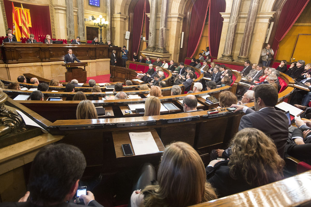 El Parlament catalán, durante un pleno. (Foto: Getty)