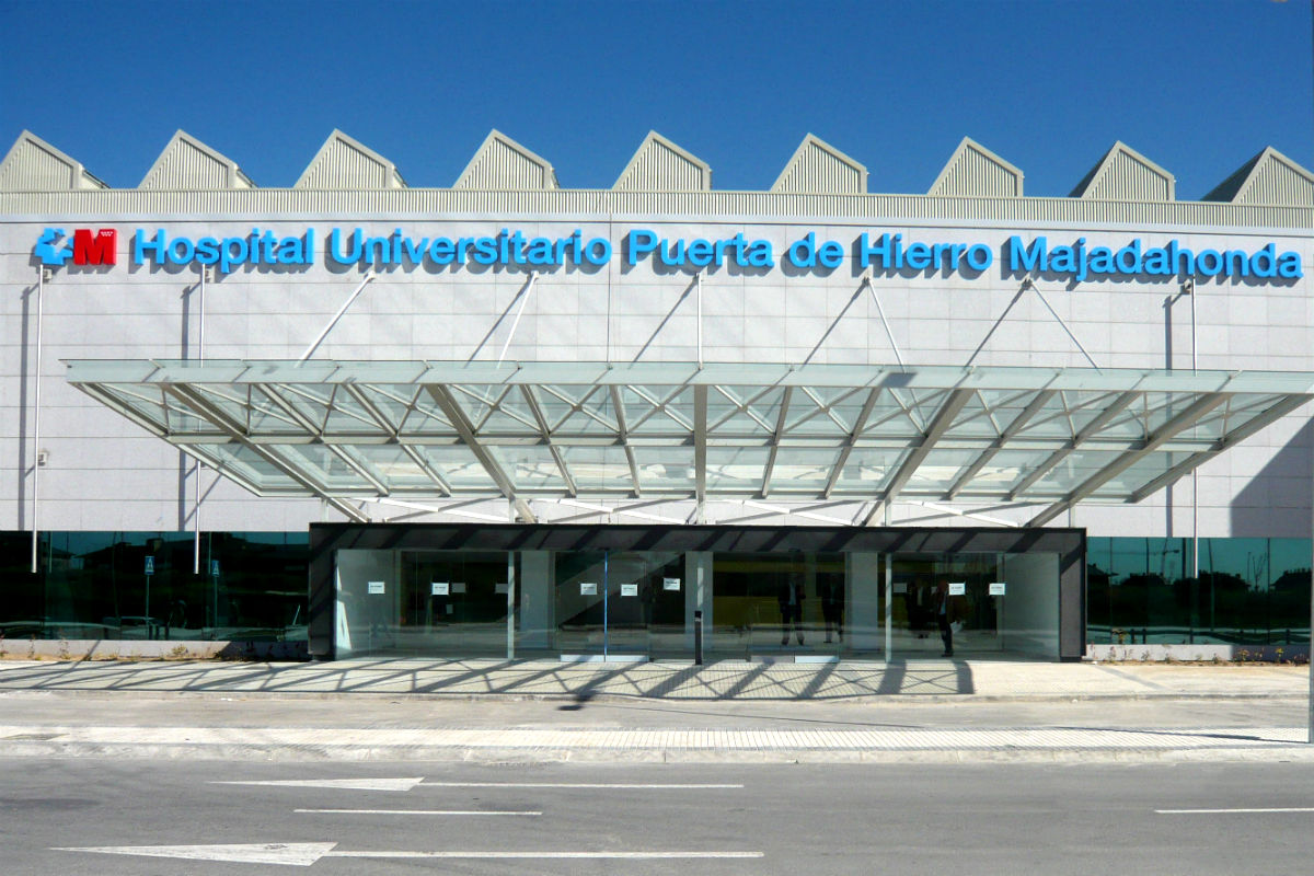 La fuerte demanda del Hospital Puerta de Hierro no está correspondientemente atendida debido a que el número de especialistas es inferior al de otros centros de la misma categoría.