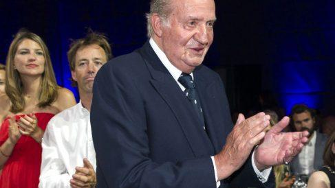 El Rey emérito Juan Carlos I, en la ceremonia final de la Volvo Ocean Race de Alicante (Foto: Getty)