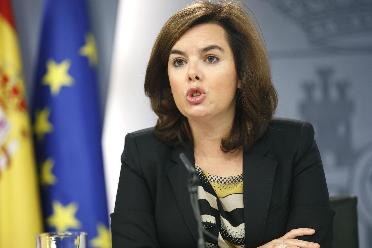 Soraya Sáenz de Santamaría en la rueda de prensa posterior al Consejo de Ministros. (Foto: EFE)