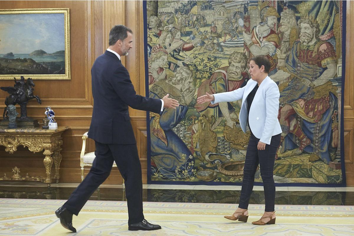 Uxue Barkos saluda al Rey Felipe VI (Foto: GETTY)