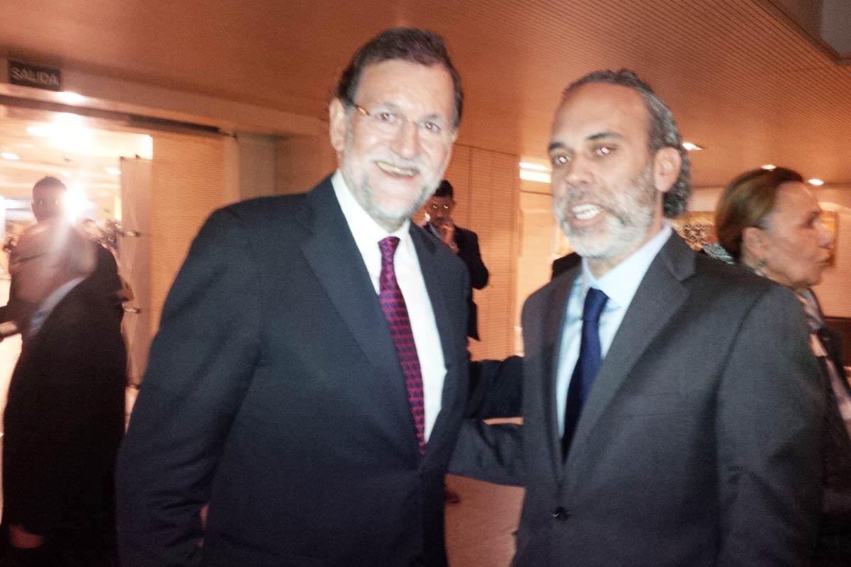 El presidente de Gobierno Mariano Rajoy, junto al empresario Richard Willmott