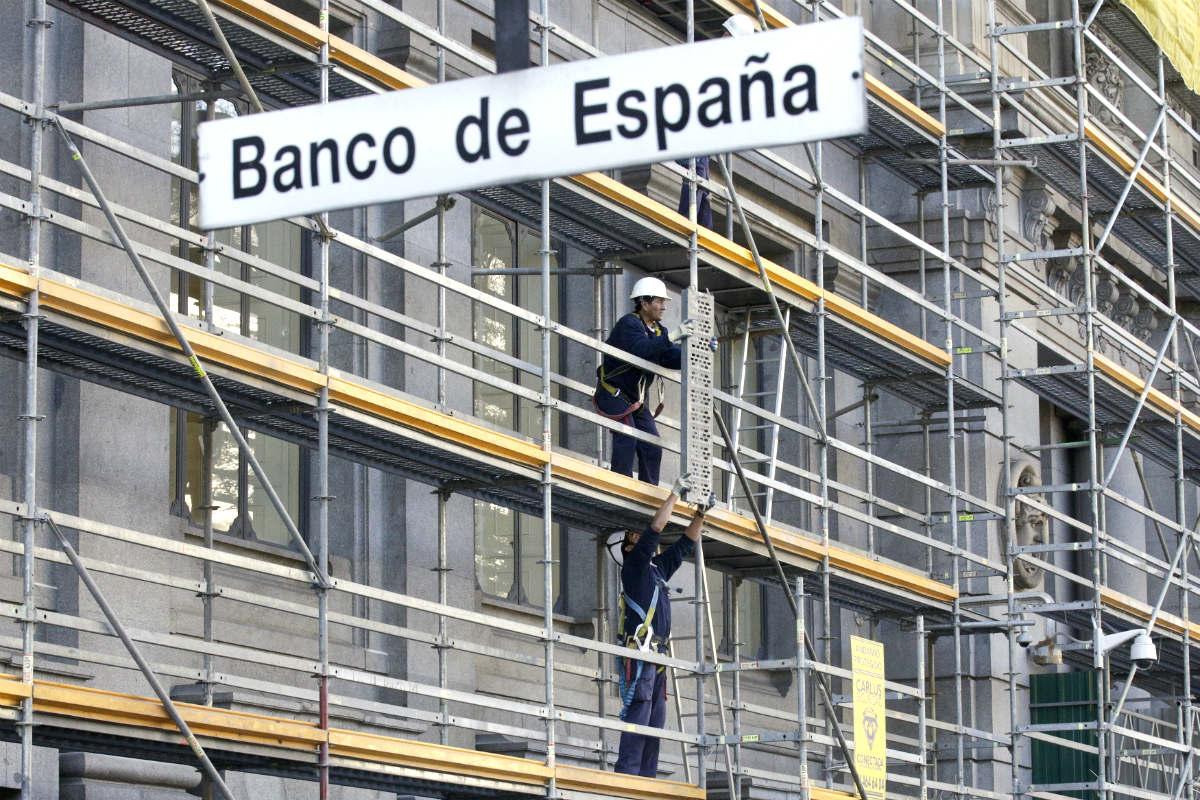 Obras en la fachada del Banco de España (Foto: REUTERS).