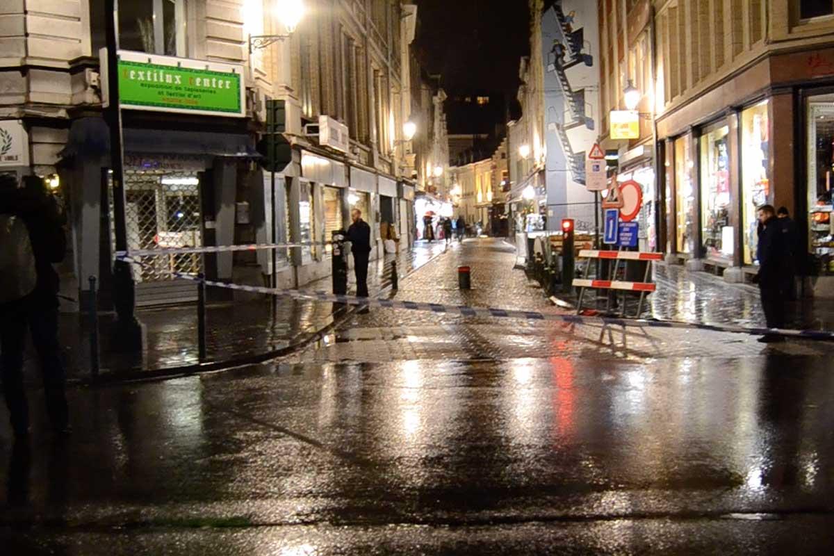 Una calle de Bruselas cortada el pasado domingo durante las operaciones que llevó a cabo la Policía belga. (Foto: Hernán González)