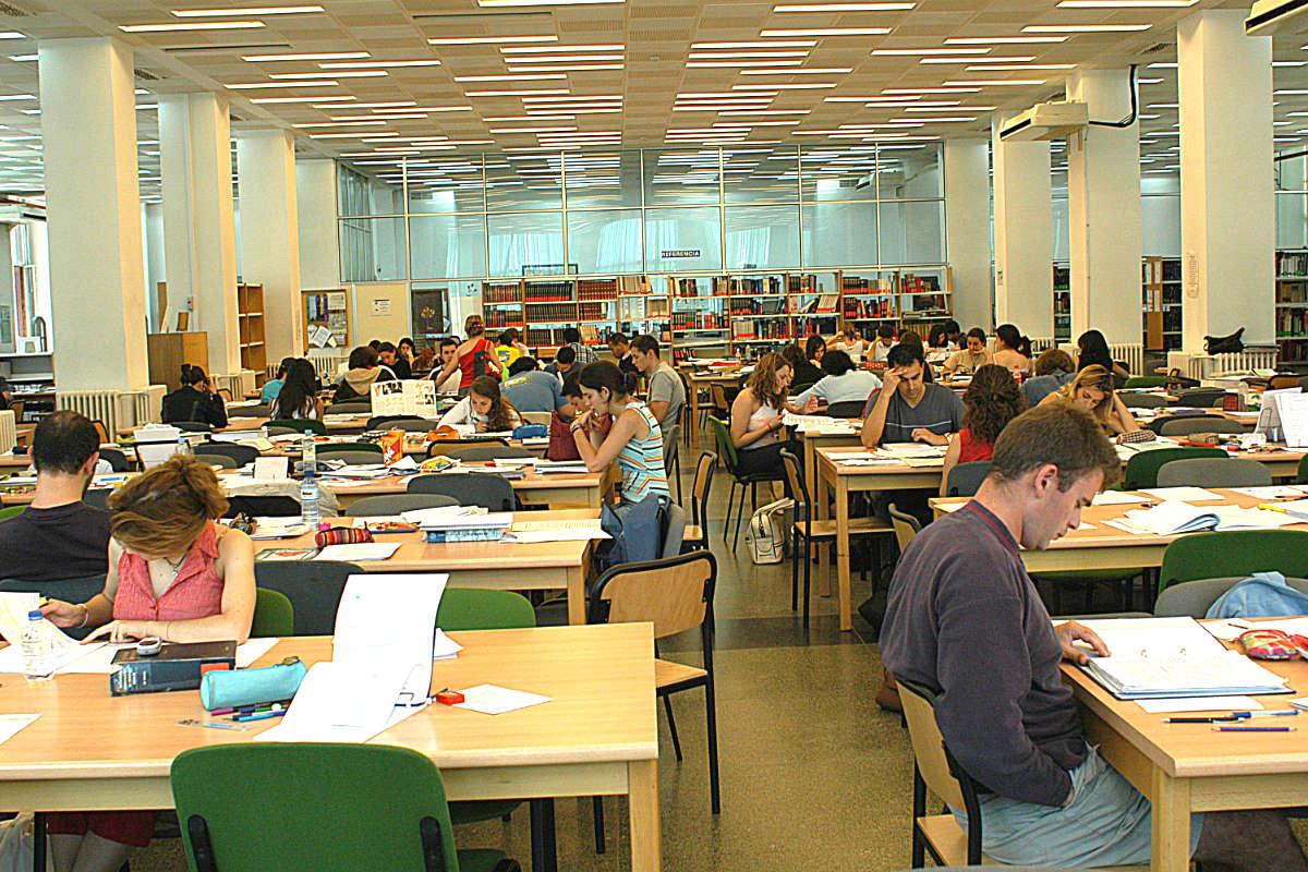 Biblioteca de la Facultad de Medicina de la Complutense (Foto: UCM).