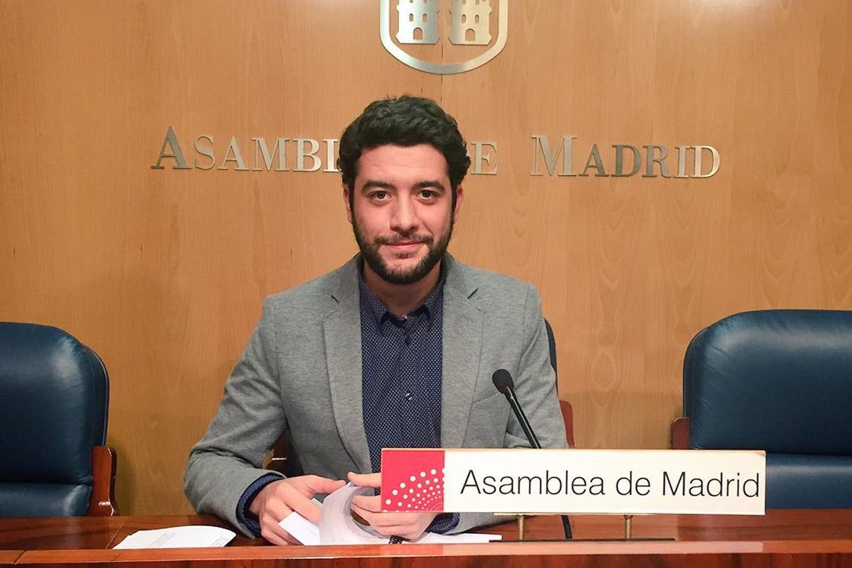 César Zafra en la Asamblea de Madrid.