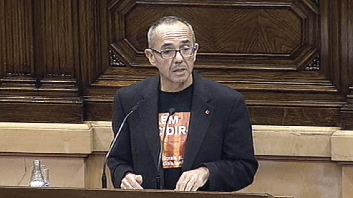 El El ex representante de Catalunya Sí que es Pot, Joan Coscubiela, habla en el Parlament. de Catalunya Sí que es Pot, Joan Coscubiela, habla en el Parlament.