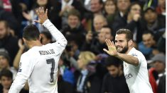 Cristiano Ronaldo felicita a Nacho por su gol al PSG. (AFP)