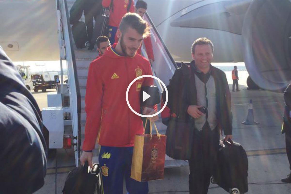 España aterrizó en el aeropuerto de Barajas (Foto: @Sefutbol)