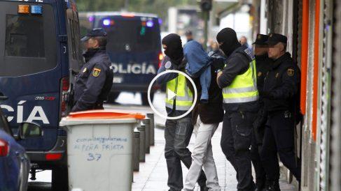 La Policía detiene a uno de los tres sospechosos en Vallecas. (Foto: EFE)