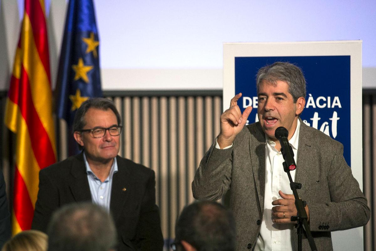 Artur Mas y Francesc Homs durante la presentación de Democràcia i Llibertat (Foto: Efe)