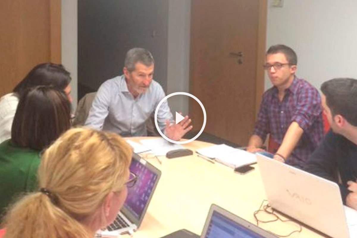 Julio José Rodríguez reunido con Errejón. (Foto: @ierrejon)