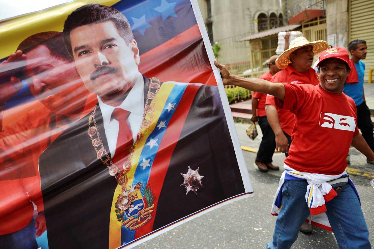 Un partidario de Nicolás Maduro por las calles de Venezuela. (Foto: Getty)