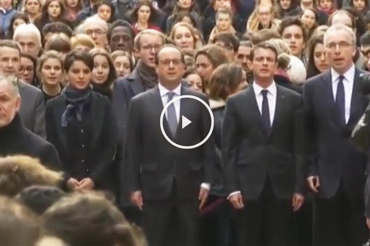 Hollande y Valls entonan La Marsellesa.