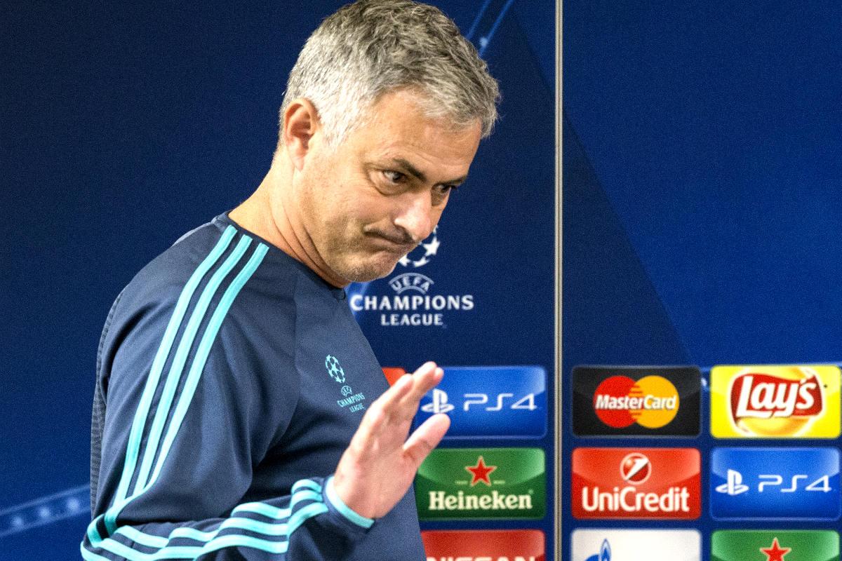 Mourinho durante la comparecencia de prensa previa al Chelsea-M. Tel-Aviv (Foto: AFP)