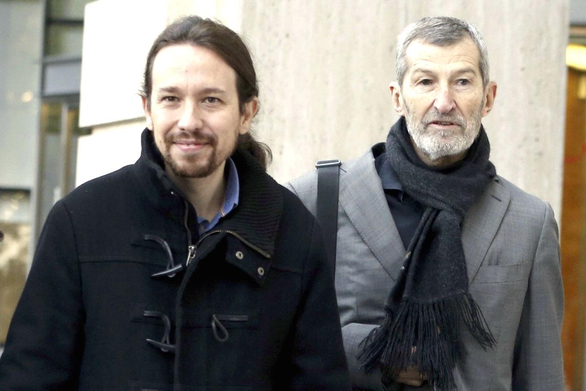 El líder de Podemos, Pablo Iglesias, y el ex JEMAD Julio Rodríguez.
