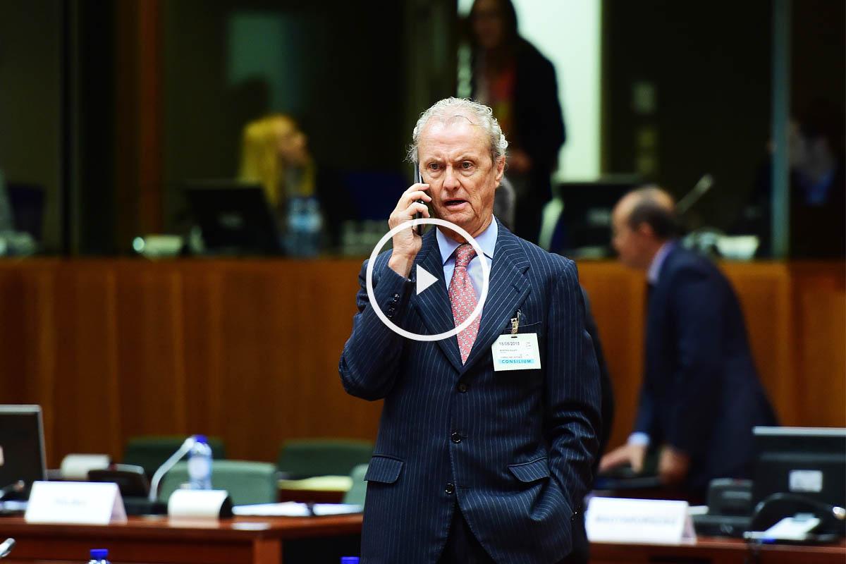 El ministro de Defensa, Pedro Morenés, durante una reunión en Bruselas. (Foto: AFP)
