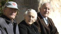 Tres pensionistas (Foto: EFE).