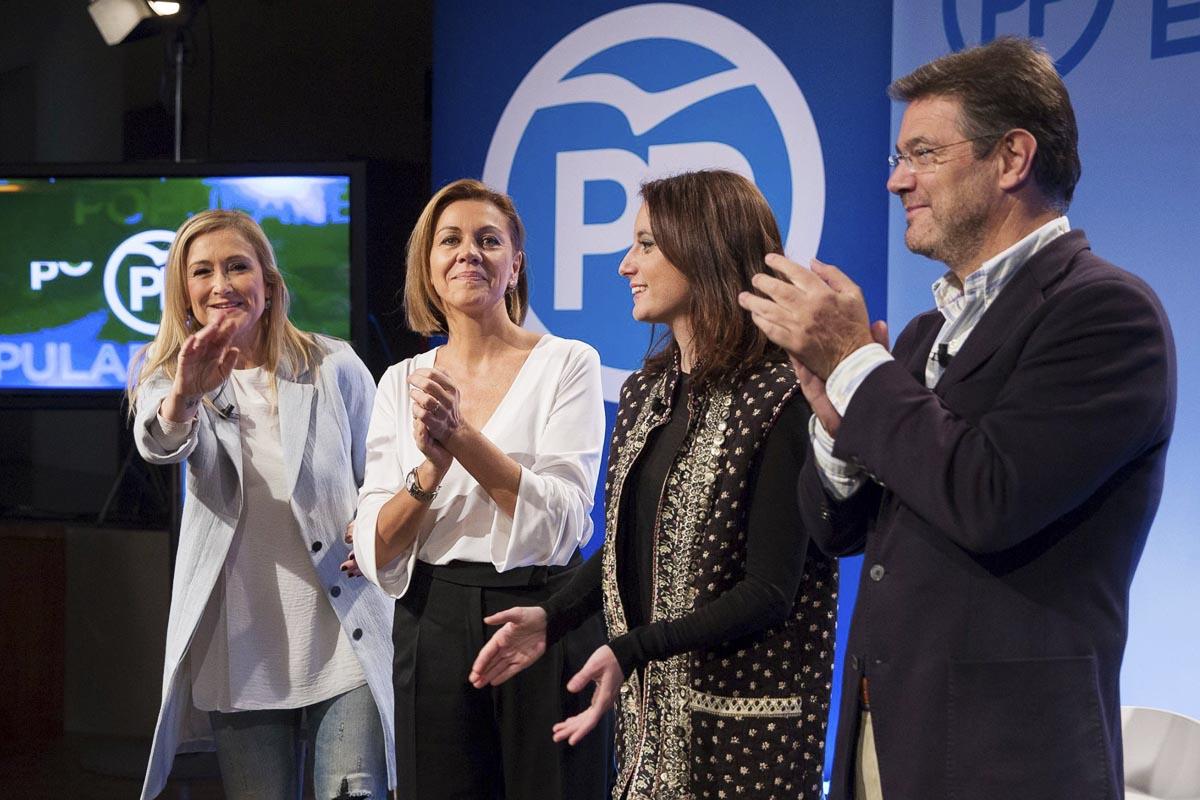 Cristina Cifuentes, María Dolores de Cospedal, Andrea Levy y Rafael Catalá en un acto del PP (Foto: Partido Popular)