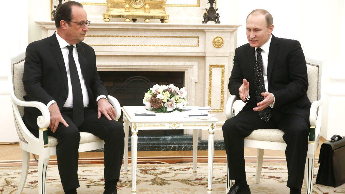 Hollande y Putin en una reunión en Moscú (Foto: AFP)
