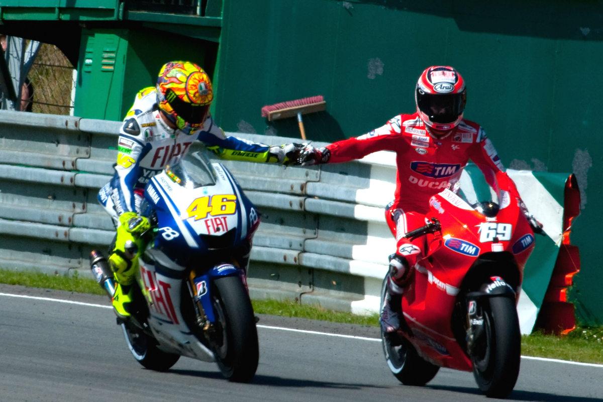 Rossi y Hayden durante le Gran Premio de la República Checa en 2010 (Foto: Getty)