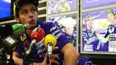 Valentino Rossi, en la rueda de prensa en el circuito de Cheste. (AFP)