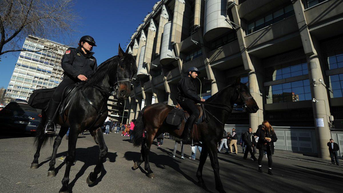 Mucha seguridad en el Real Madrid Vs Barcelona (Getty)